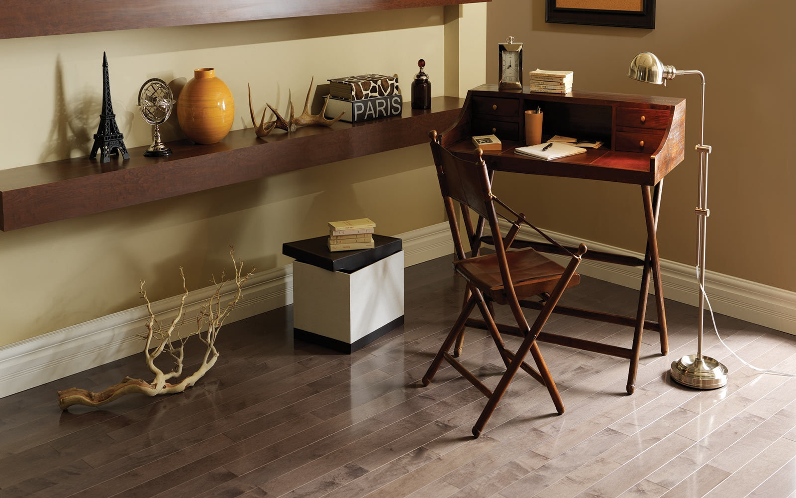 How to match your wood floor to your walls